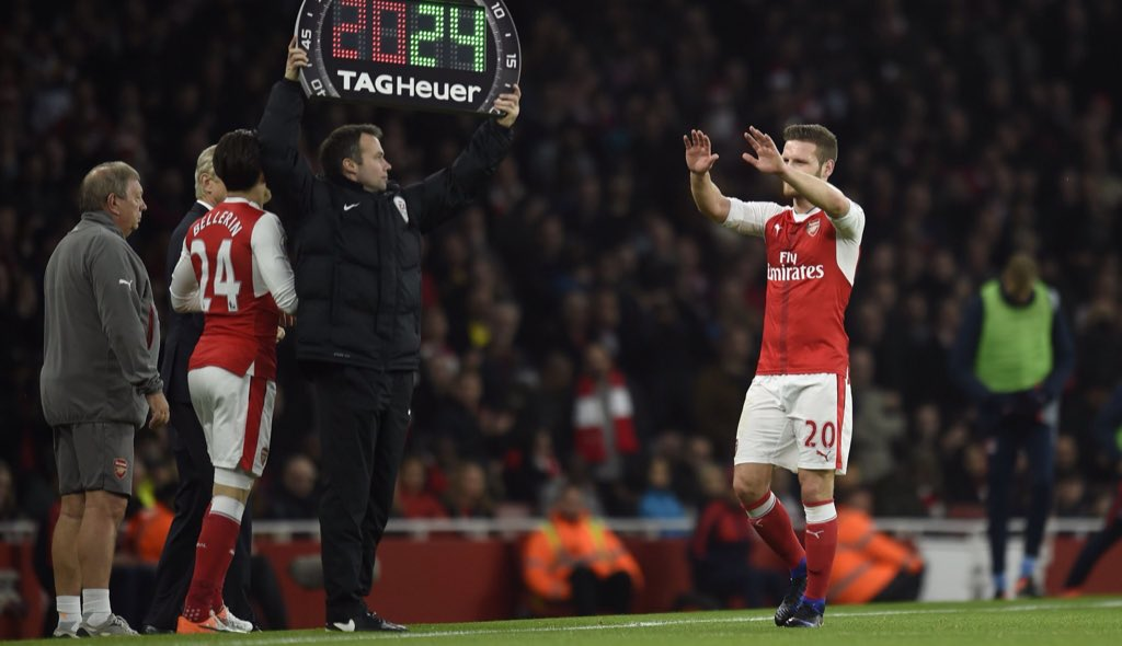 Shkodran Mustafi reacts to Arsenal agreeing two transfer deals